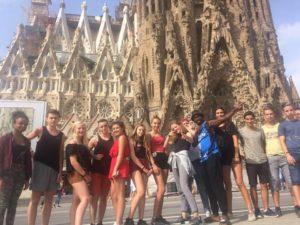 Tout un groupe de jeunes partis en séjour linguistique en Espagne